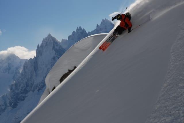 Curso esquí free-ride. Descenso fuera de pista.
